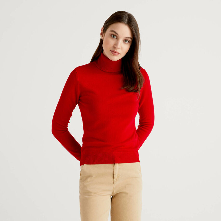 Red turtleneck sweater in pure virgin wool