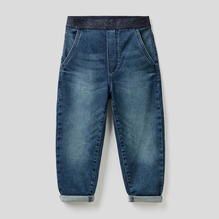 Balloon jeans with stretch waist