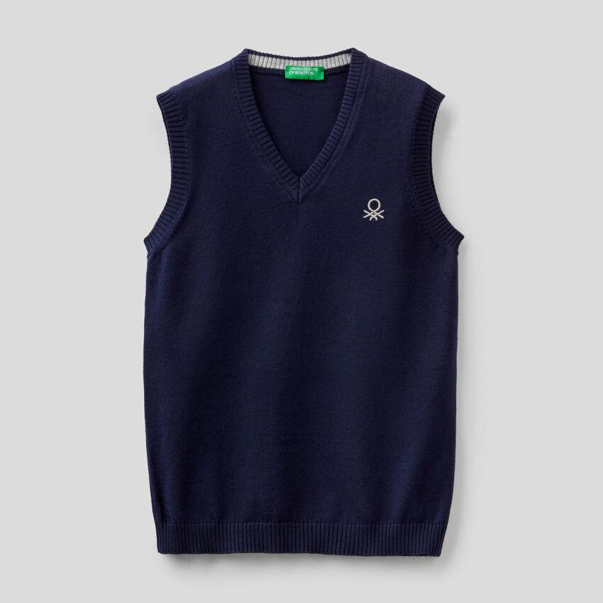 100% cotton vest with V-neck