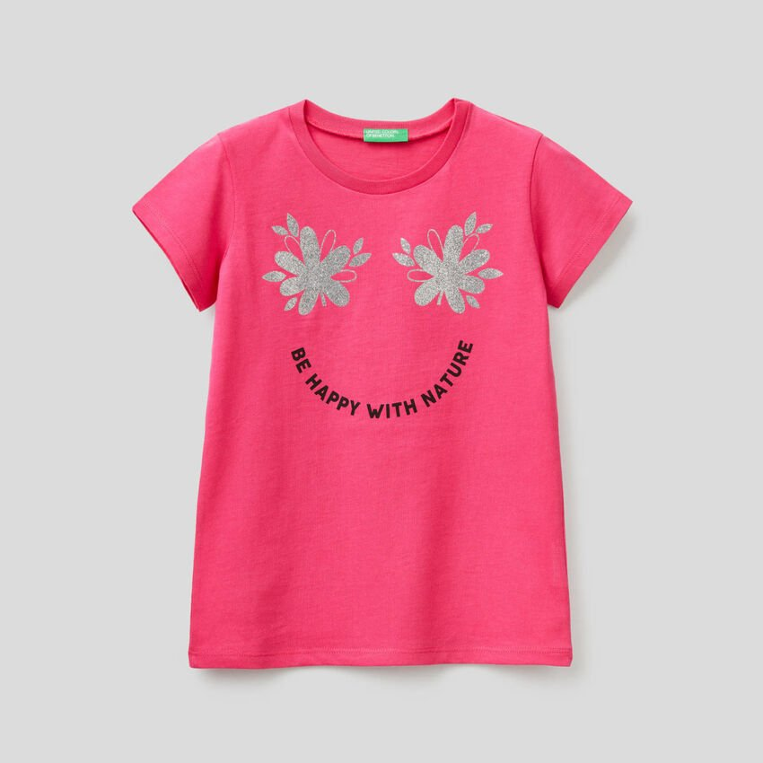 T-shirt with glittery print