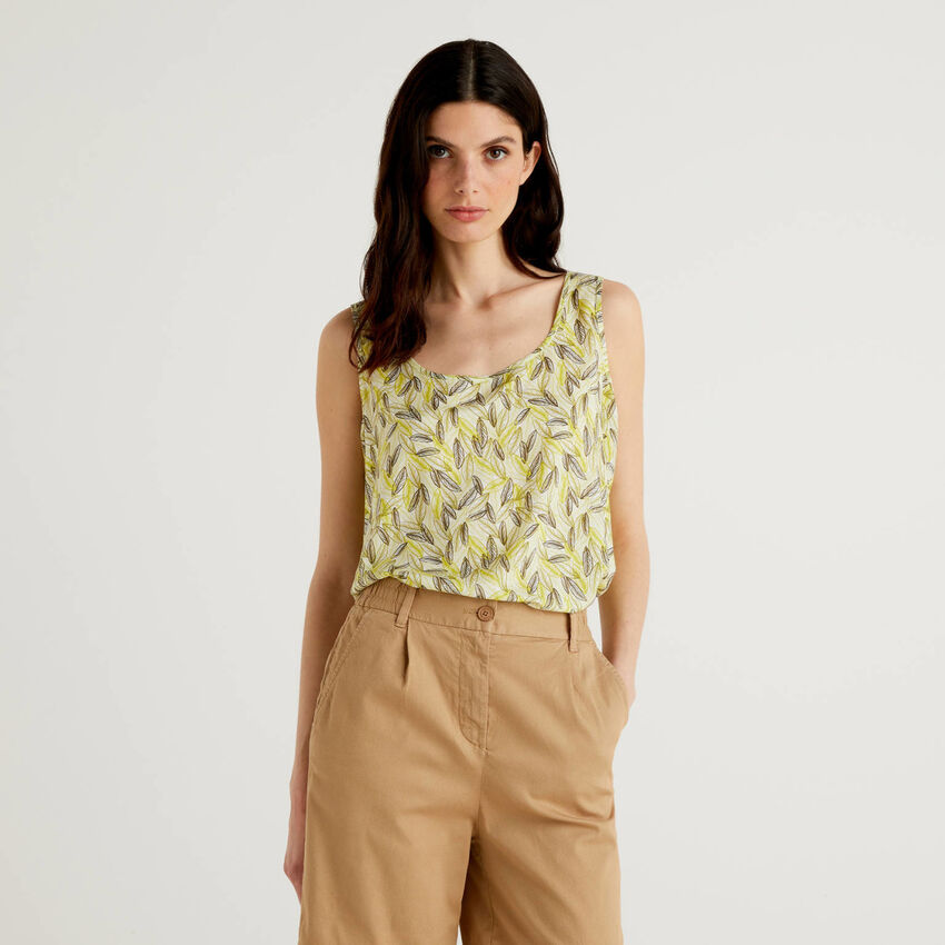 Wide tank top with botanical print