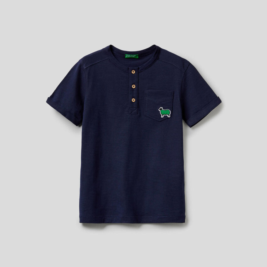 Henley t-shirt in pure cotton