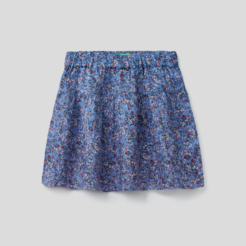Flowy skirt with floral print