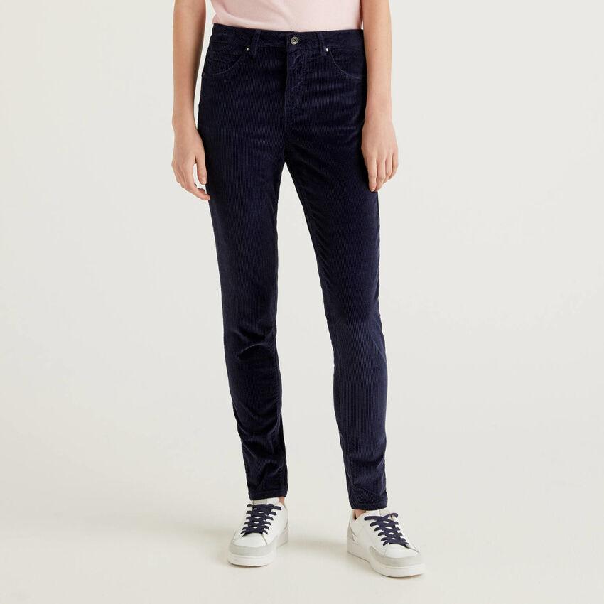 Skinny fit velvet trousers