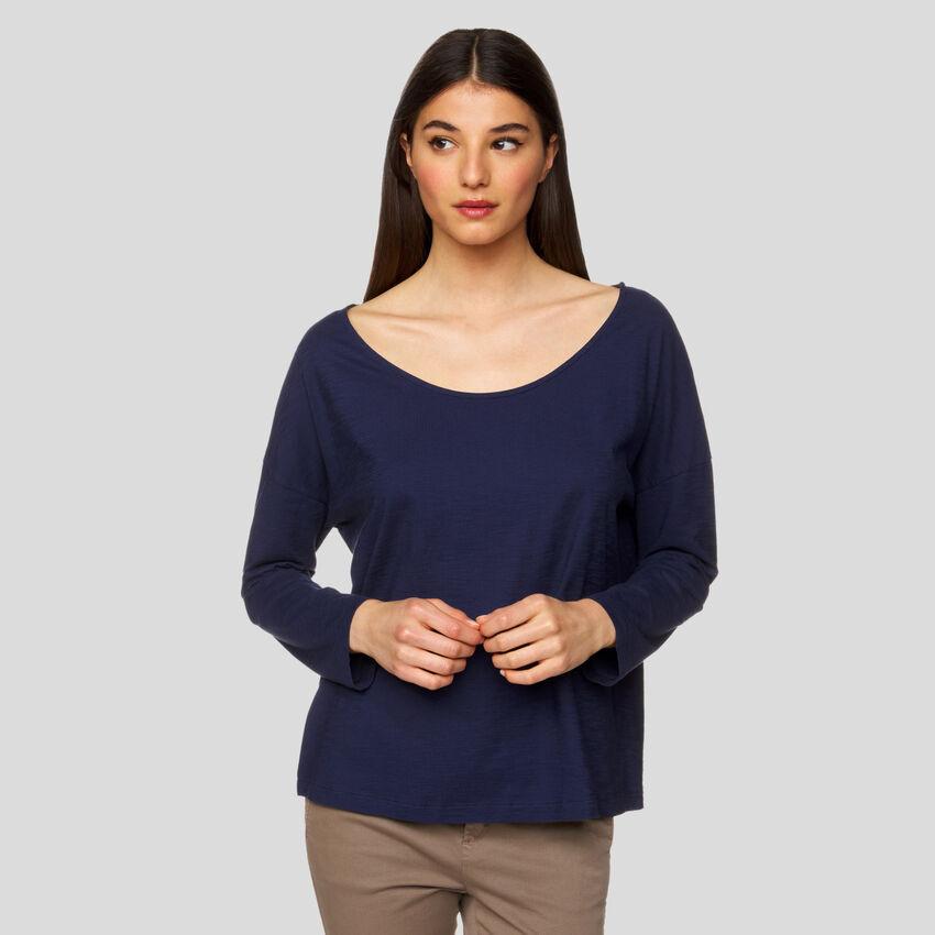 Wide neck t-shirt