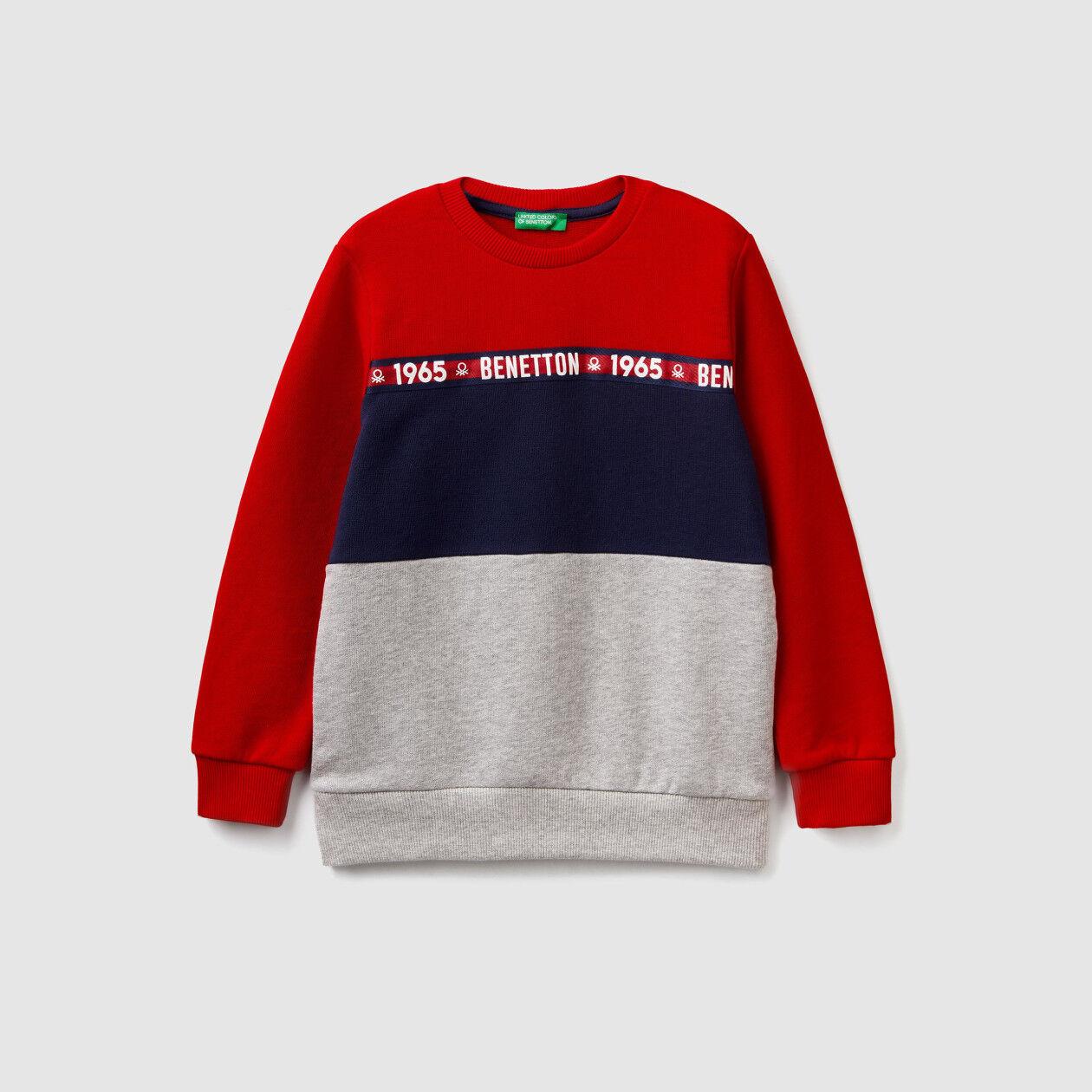 Color block crew neck sweatshirt