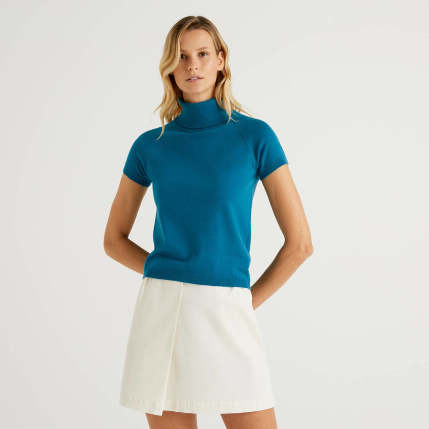 Teal short sleeve turtleneck in cashmere and wool blend