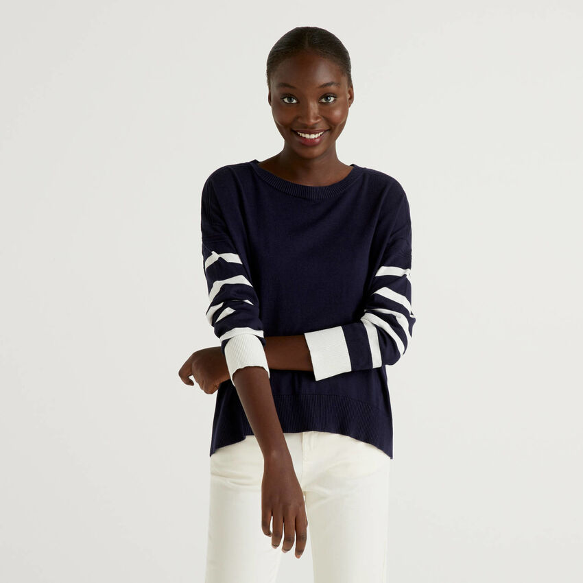 Dark blue sweater with slit on the back