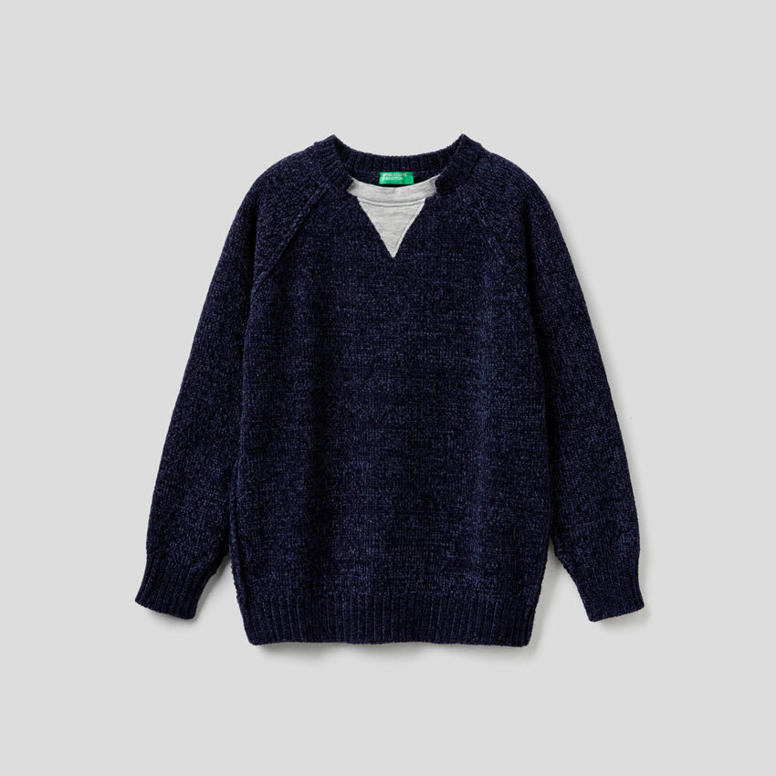 Chenille sweater with clashing details