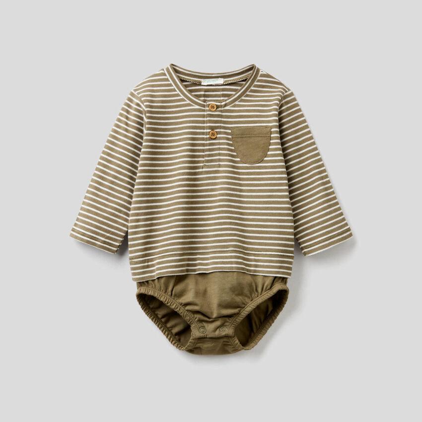T-shirt-look bodysuit in organic cotton