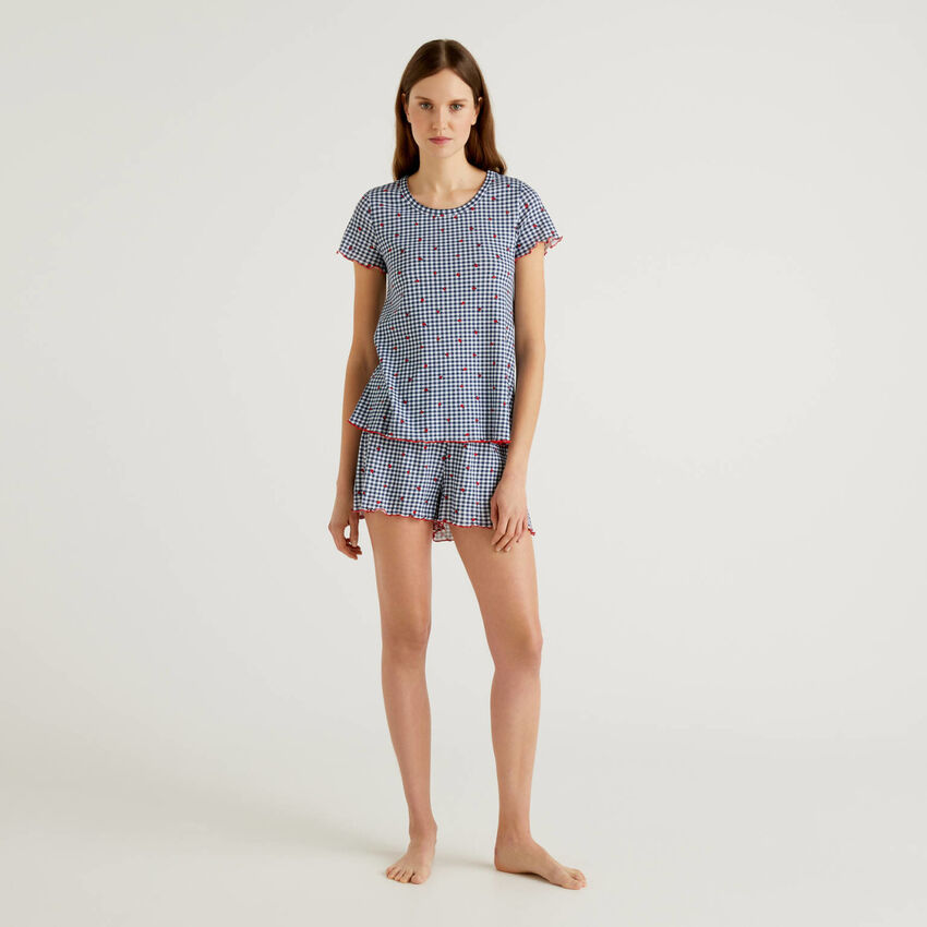 Patterned pyjamas in pure cotton