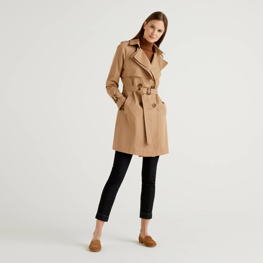 Double-breasted cotton trench coat