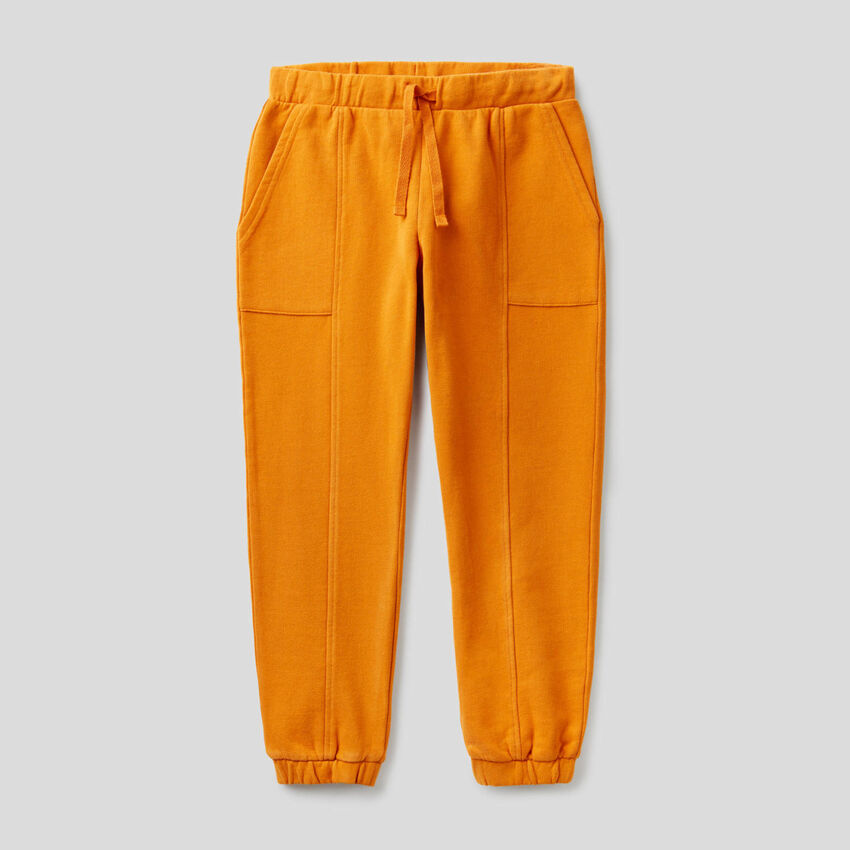 Sweatpants with maxi pockets