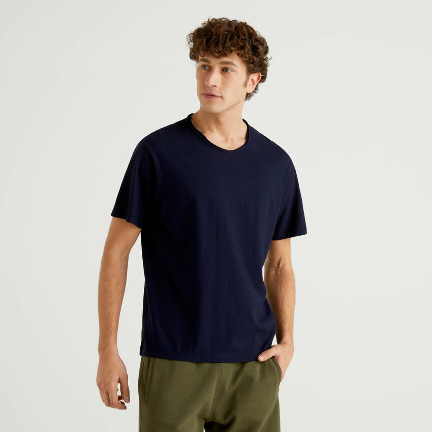 Dark blue t-shirt in pure cotton