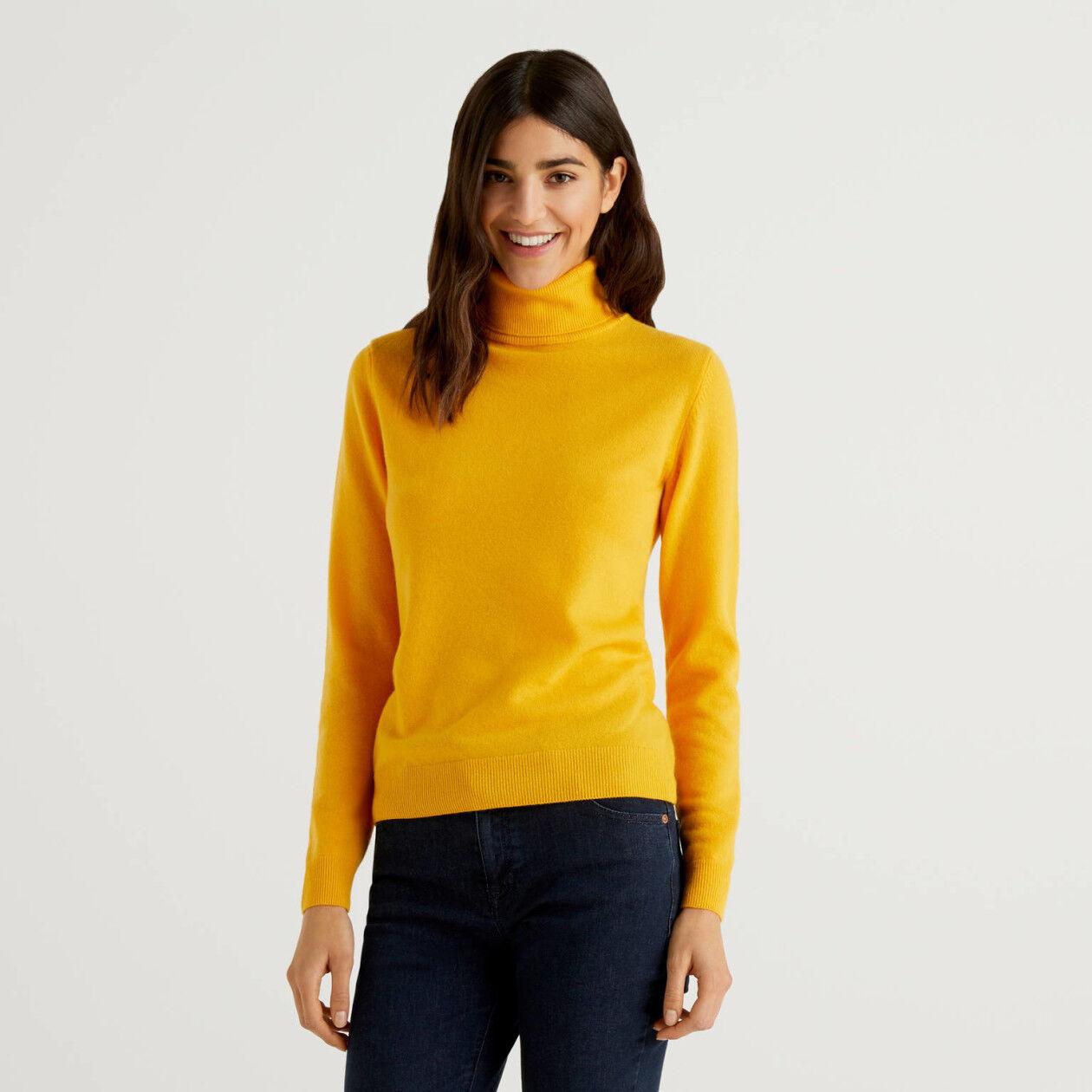 Yellow turtleneck sweater in pure virgin wool