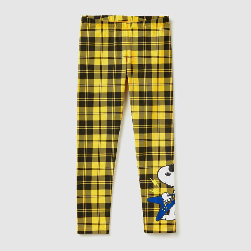"""Check leggings with """"Snoopy"""" print"""